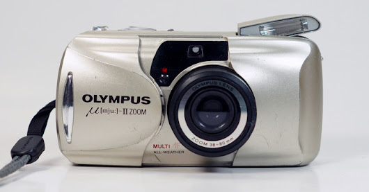 Graphic Trip: Olympus Stylus Epic Zoom 38-80mm (μ[mju:]-II) 35mm Point & Shoot Film Camera