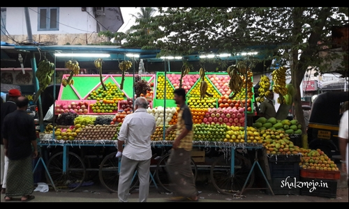 fruit and vegetable stalls in Kerala