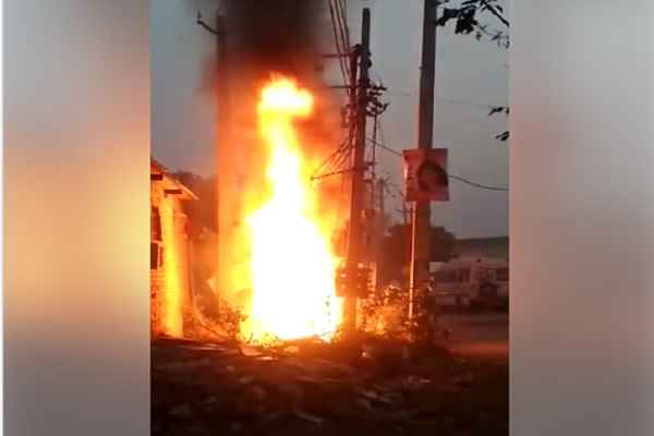 transformer-burnt-in-uncha-gaon-near-mahila-iti-ward-39-faridabad