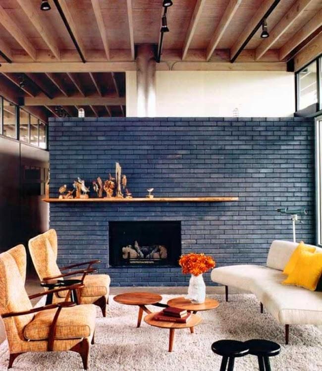 sala decorada con ladrillos