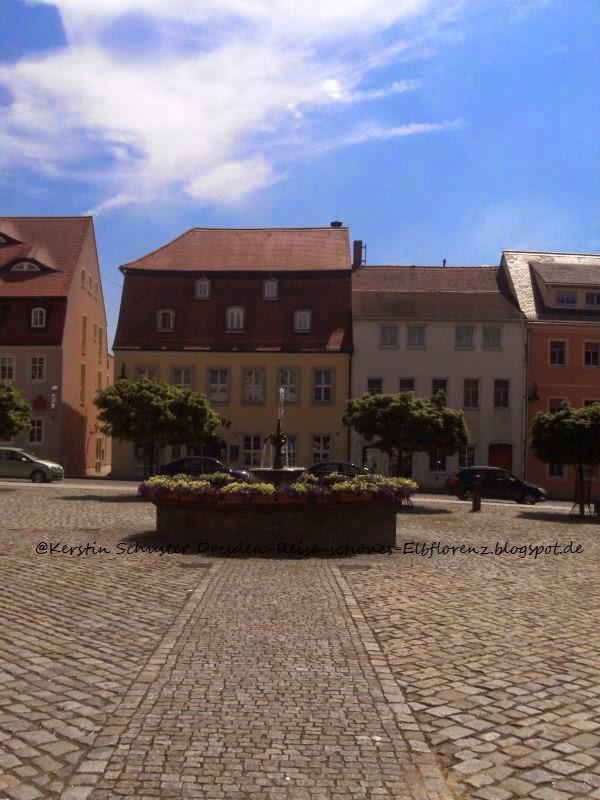 Marktplatz mit Brunnen in der Pfefferkuchenstadt