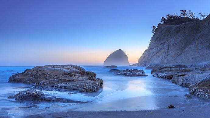Wallpaper: Haystack Rock in Pacific City