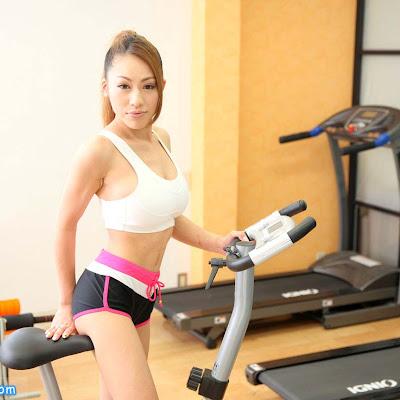 Gái tập gym vú bự lồn trơn Kanna Kitayama