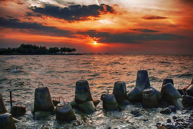 sunset pantai baruna semarang