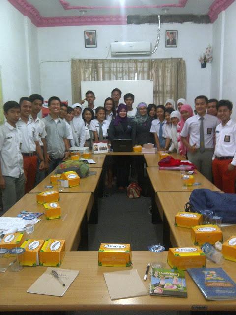 audiensi+dan+kunjungan+SMA+dan+SMK+se Kota+Medan+ke+Amanda+Brownies+Sumut+cabang+Katamso,+Rabu+26.11.2013.+Alhamdulillah..