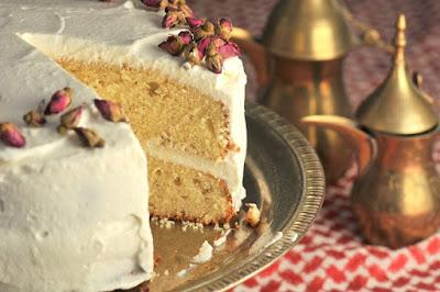 http://www.kikucorner.com/2018/11/26/cardamom-cake-rosewater-whipped-cream/