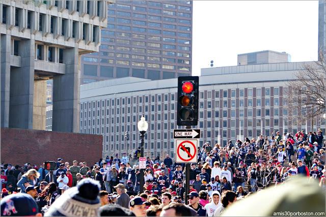 Aficionados en el Desfile de los Patriots por la Celebración de la Super Bowl LIII