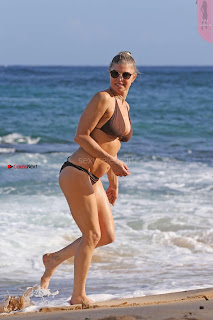 Fergiein-Bikini-2017--42+%7E+SexyCelebs.in+Exclusive+Celebrities+Galleries.jpg