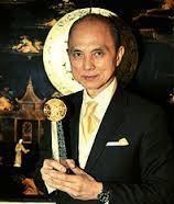 48794aea29f3 Entrepreneur Traits  Biography Datuk Jimmy Choo And His Traits