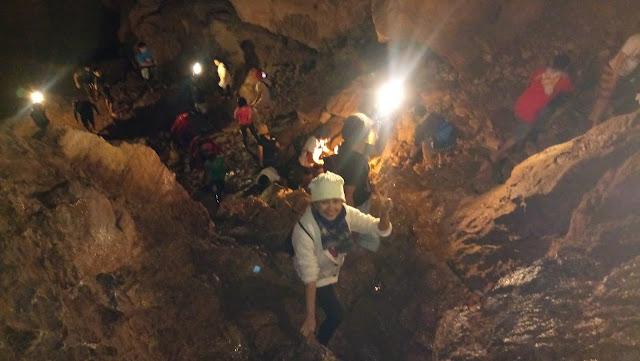 Sagada cave exploration, cave spelunking