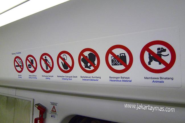 Se prohibe mascar chicle y besarse en el metro de Kuala Lumpur