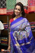 Rashmi Thakur Inaugurates Pochampally IKAT Art mela 2016-thumbnail-6