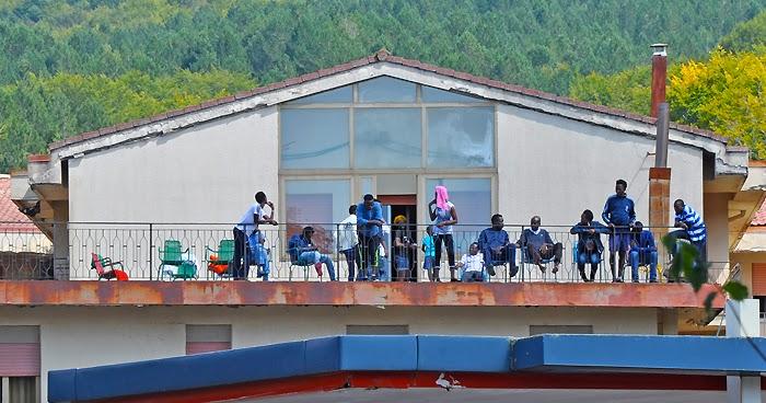 REGGIO CALABRIA. Revocata l'accoglienza a 22 migranti ospiti della struttura di Gambarie