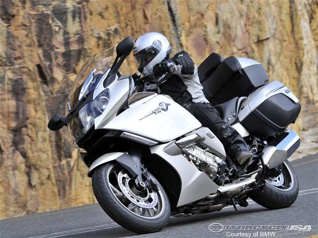 Bmw K 1600 B Dash: 2018 Bmw K 1600 Gtl Vs Honda Gold Wing