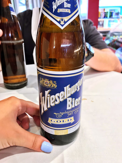 Gdzie w Wiedniu poczuć klimat lokalnego jedzeniowego targu? Kierunek: Naschmarkt! Co zjeść? Wszystko o słynnym wiedeńskim targu.