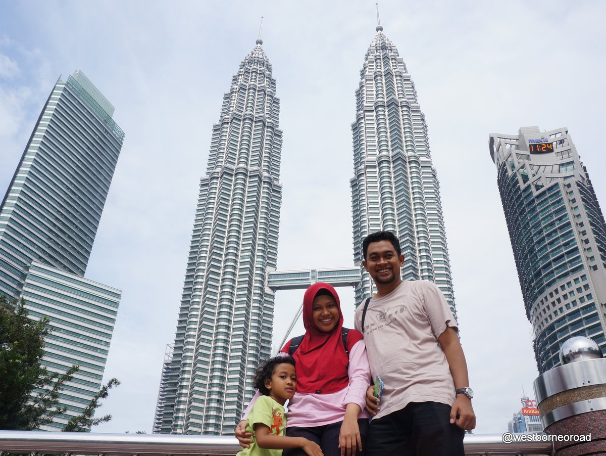 melihat pertunjukan air mancur di taman klcc malaysia west borneo road rh westborneoroad blogspot com Big Ben Menara Kuala Lumpur Petronas