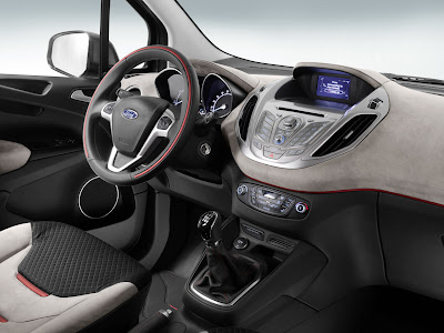 Ford Tourneo Courier - interior