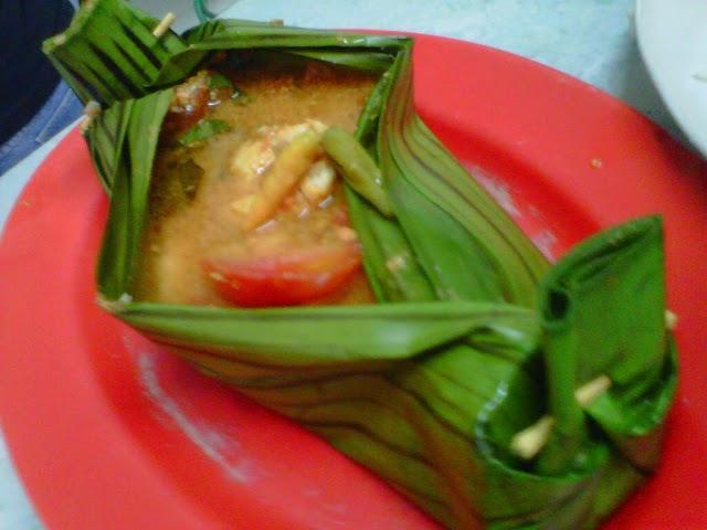 wisata kuliner makassar - pepes ikan serui