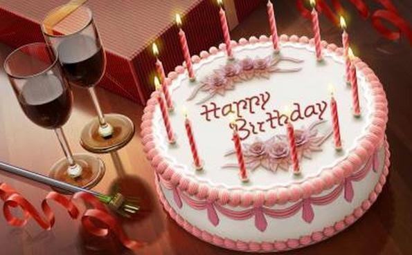 Γιατί βάζουμε κεριά πάνω στις τούρτες γενεθλίων;