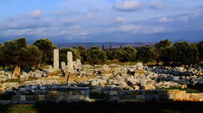 teos dionysos tapınağı