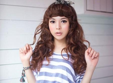 Model Rambut Keriting Sebahu Ala Korea