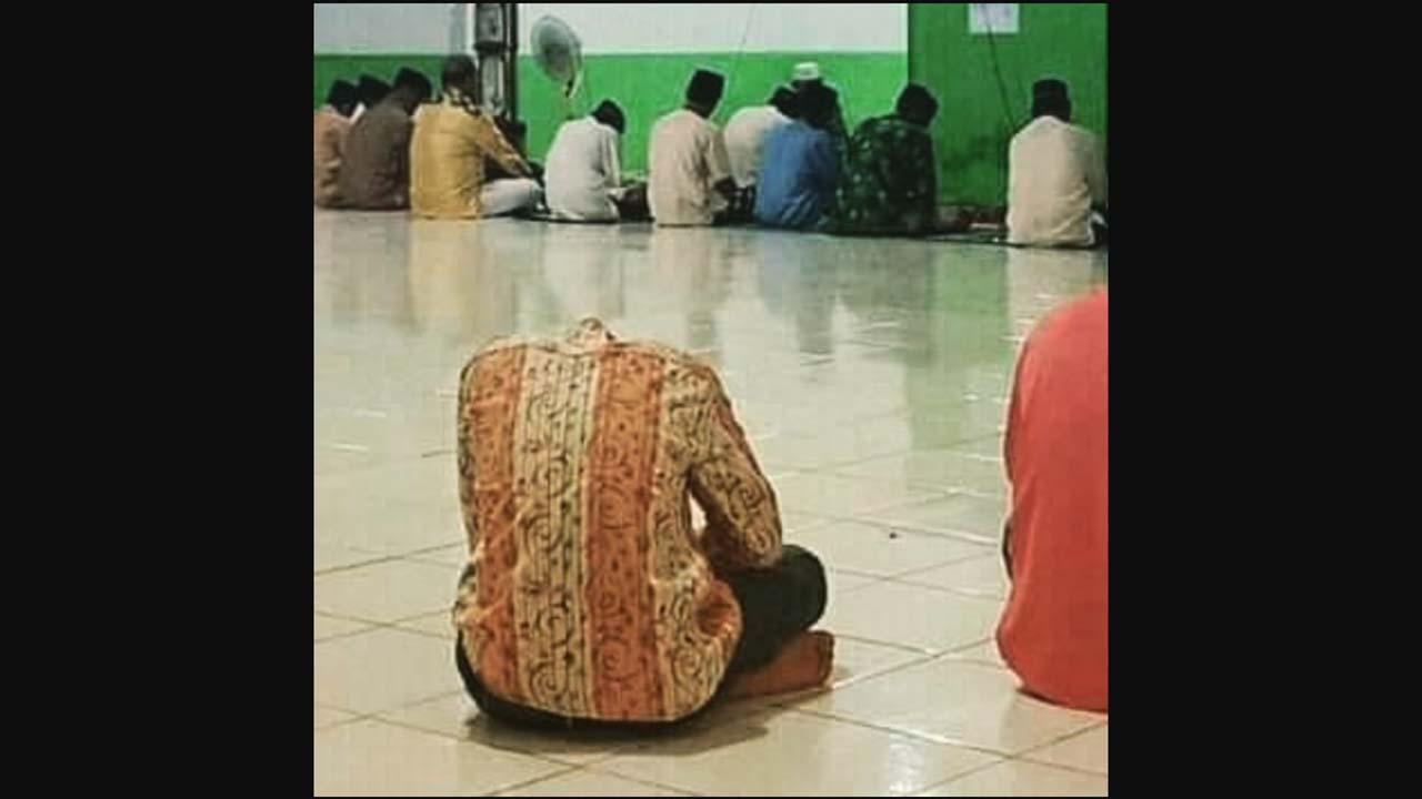 Penampakan Manusia Tanpa Kepala Di Dalam Mesjid