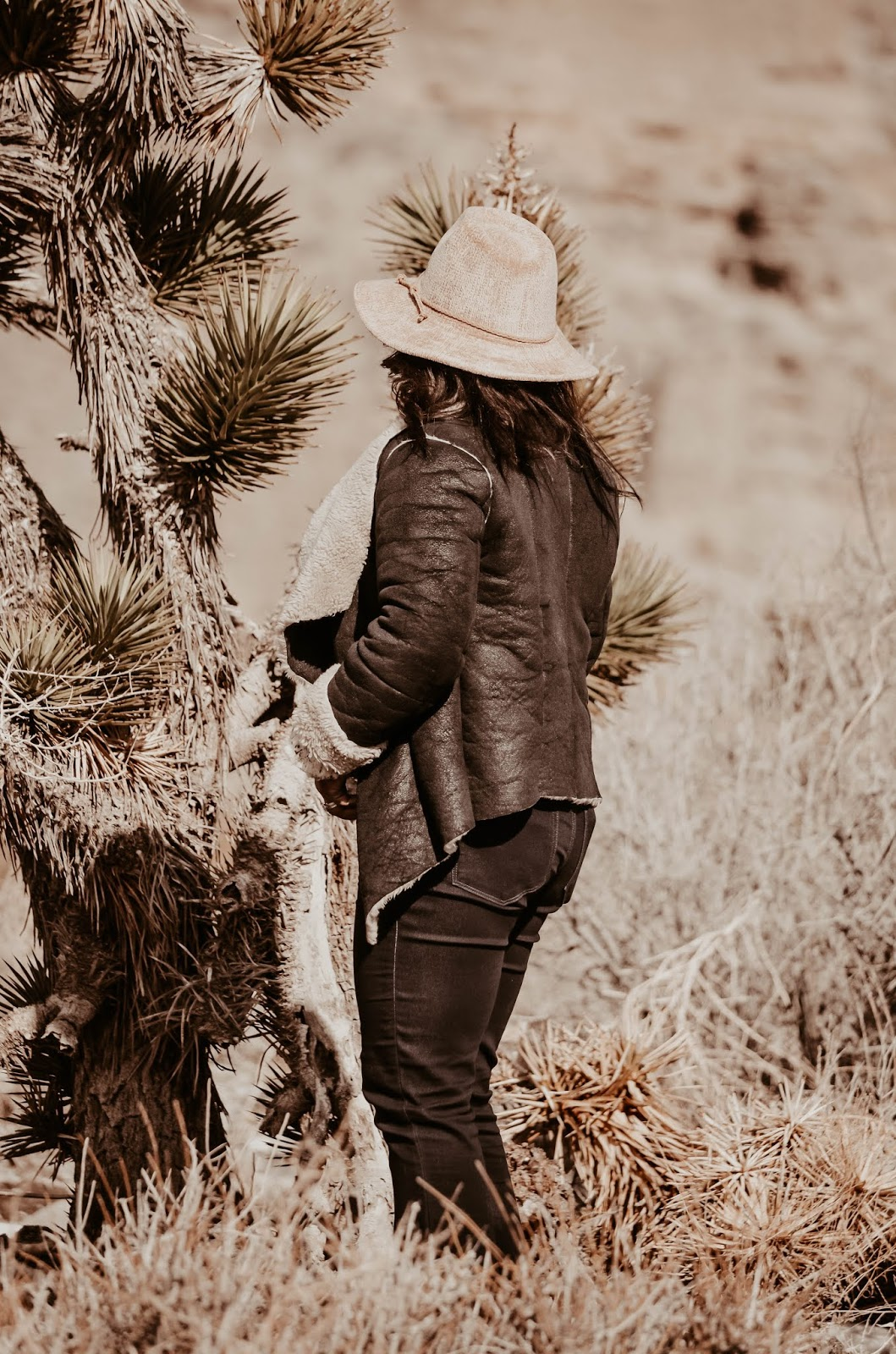 cowgirl-inthedesert-paige-denim-bootleg-jeans-pants-anthropologie-blush-plush-chenille-hat-guess-double-ring-belt-vintage-cateye-sunglasses-at-snowy-mount-charleston-lasvegas-nv
