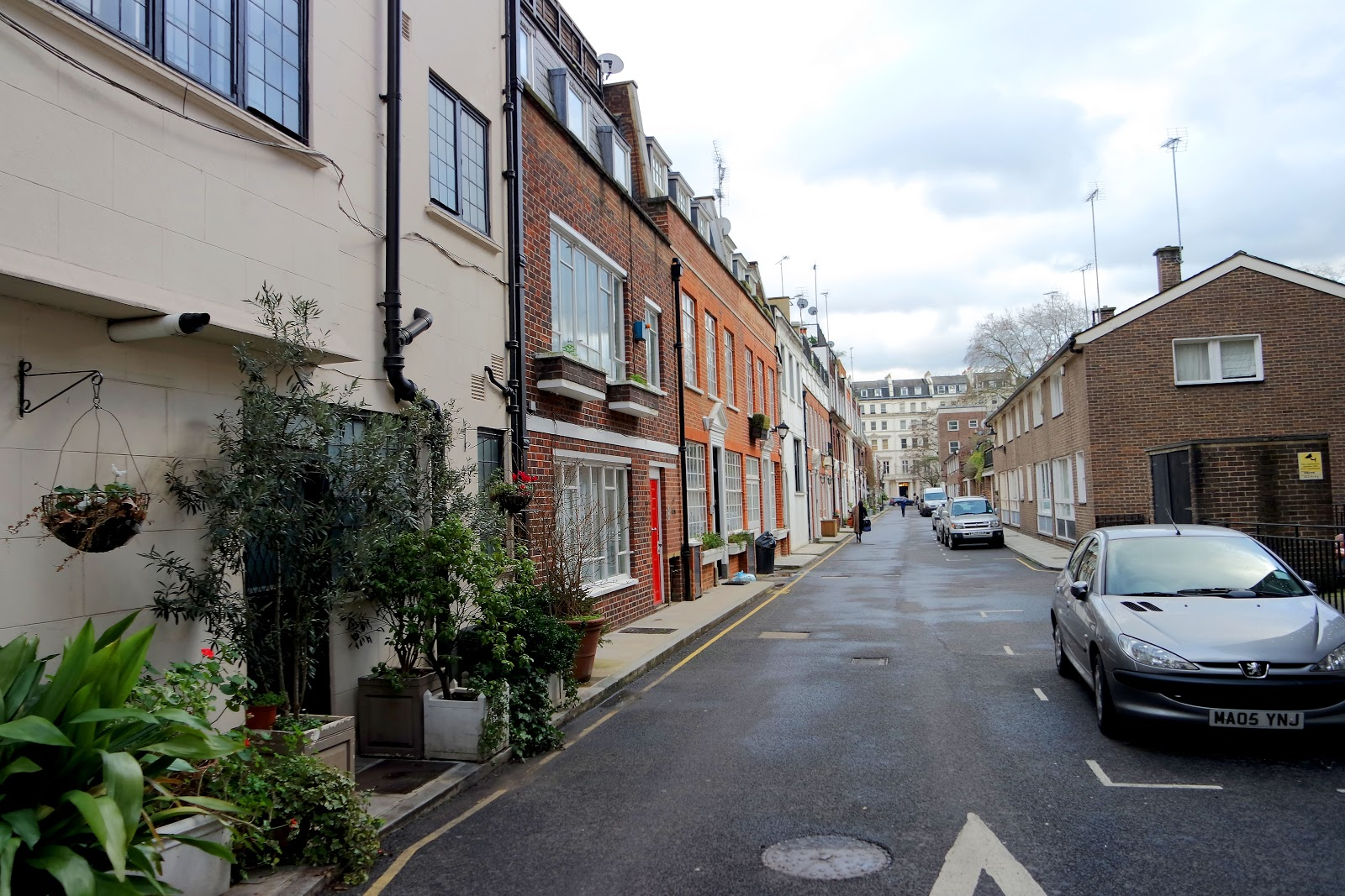 Stanhope Mews E, Queens gate, South Kensington, London, Londres, vlog, blog, travel, travelling, london streets, french,