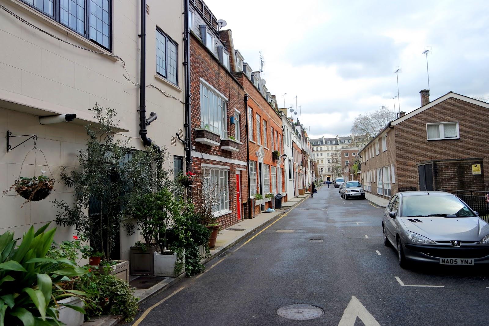 Stanhope Mews E, Queens gate, South Kensington, London, Londres, vlog, blog, travel, travelling, london streets, french,