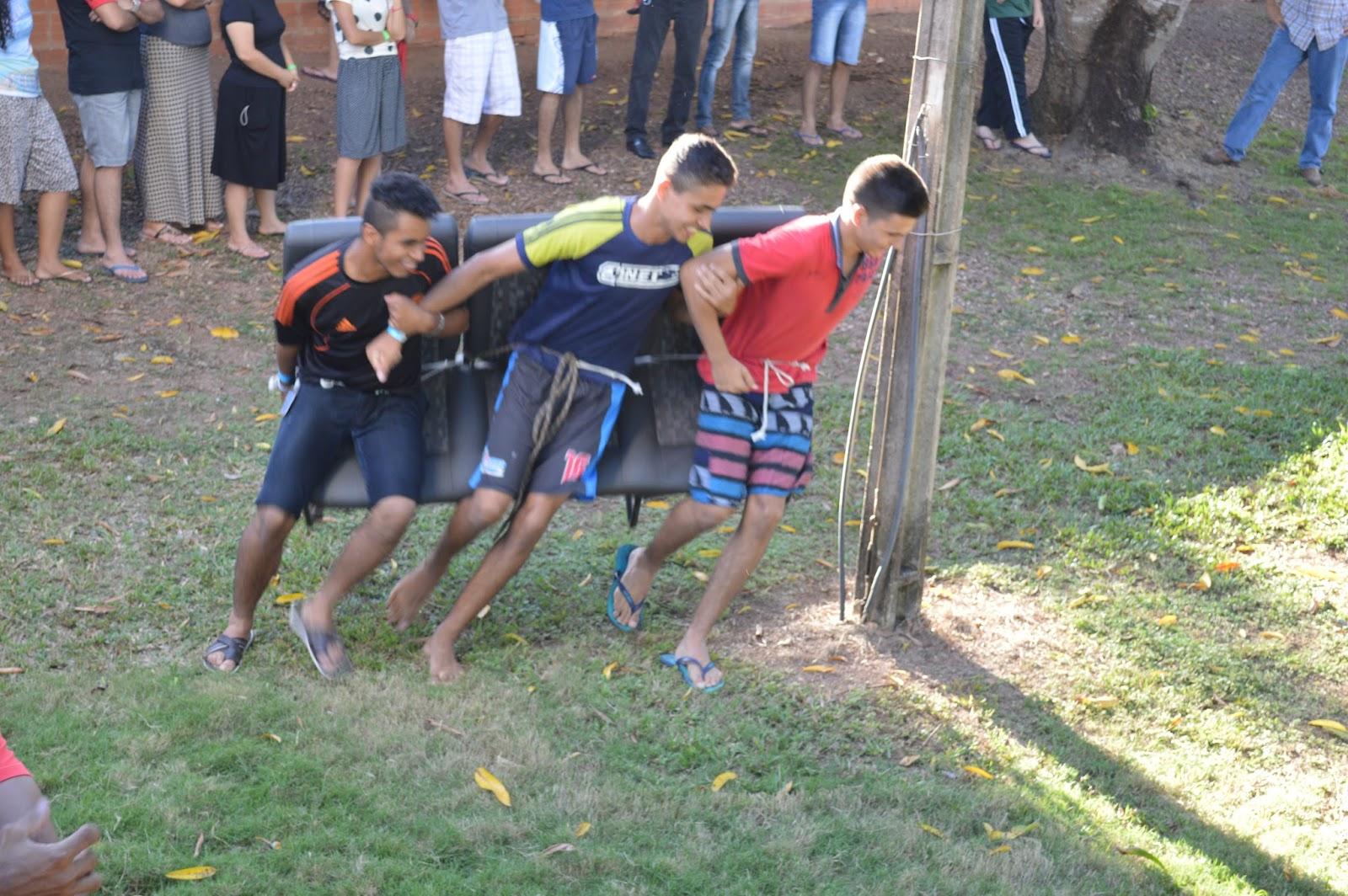 Favoritos As Aventuras dos Doolittles: Acampamento de Jovens 2016  QD58