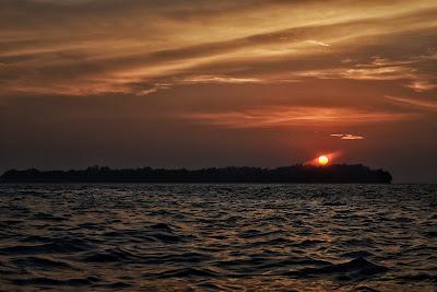 Fotografi Wisata Sunset Moment