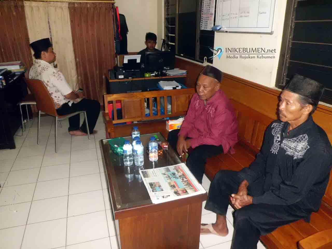 Diduga Menang karena  Muwur, Kades Terpilih Banjurpasar Dilaporkan ke Polisi