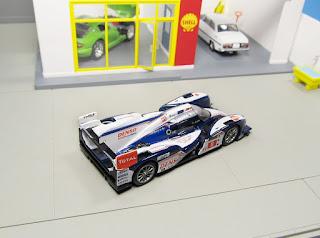 spark Toyota TS030 Hybrid  Le Mans 1/64