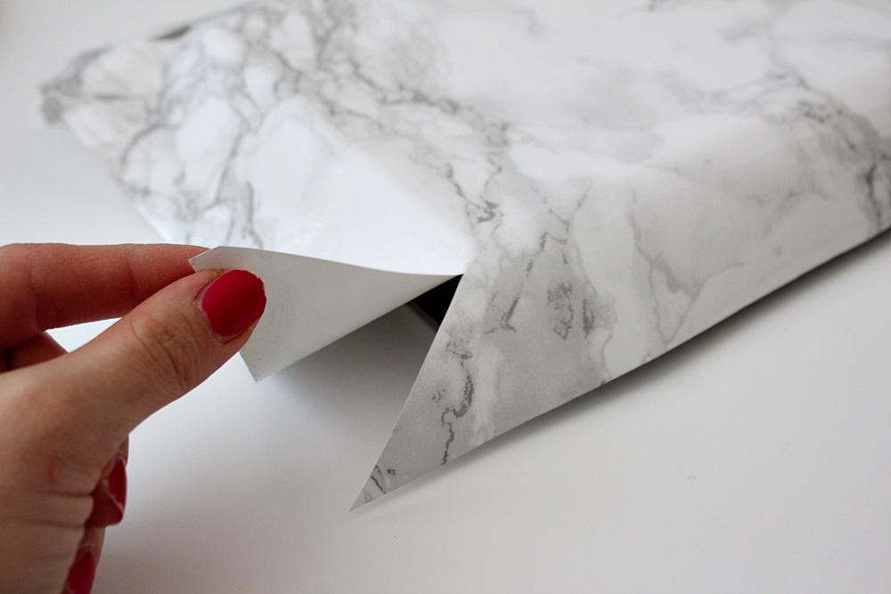 Perhosena lennän Pahvilaatikosta  marmoriseksi  Dc Fixillä