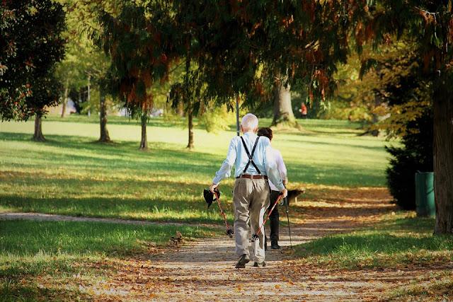 Comment la marche peut vous aider à perdre du poids et la graisse du ventre