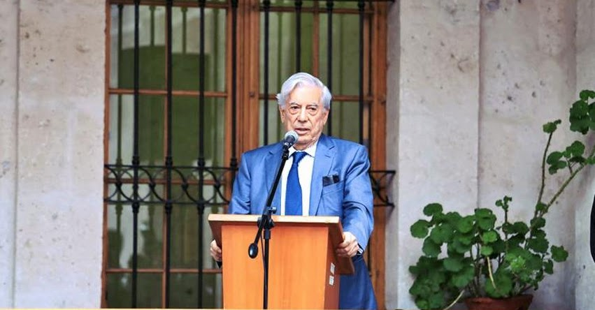 Vargas Llosa entregará lote de 15 mil libros para Biblioteca Regional de Arequipa
