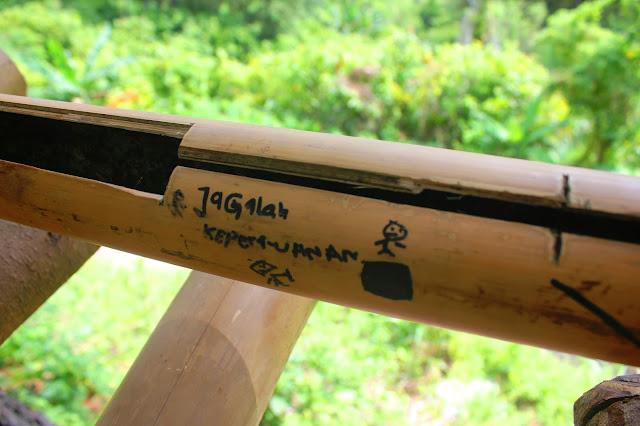 pesan bijak vandal di hutan pinus tapango polman