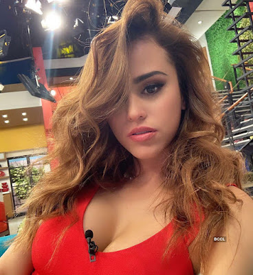 World's Sexiest Weather Girl' Yanet Garcia