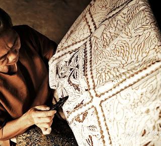 Indonesia kaya akan budaya dan sumber daya alam termasuk kreasi warisan dari nenek moyang Tempat Wisata Sejarah Batik dan Jenis macam-macam corak motif batik Indonesia