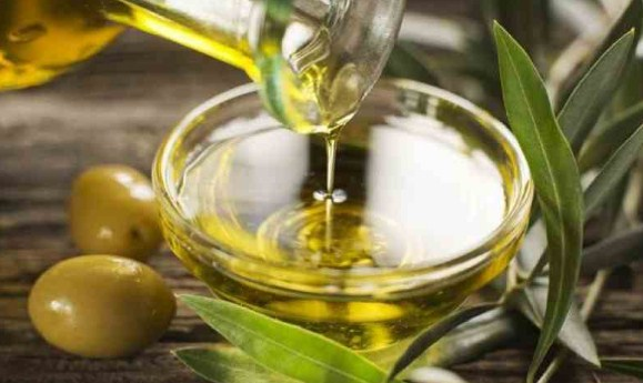 Meski cuma setetes, minyak zaitun punya segudang manfaat