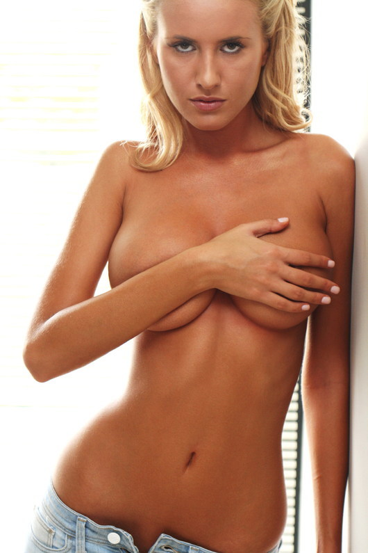 Renee somerfield nude, fappening, sexy photos, uncensored