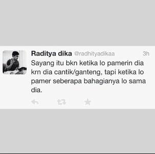 Siapa yang tidak kenal sosok Raditya Dika Gambar Kata Kata Cinta Romantis Ala Raditya Dika