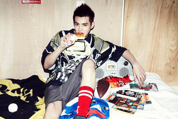 "Twenty2 Blog: EXO's ""XOXO (Kiss&Hug)"" Album Photo Shoot"