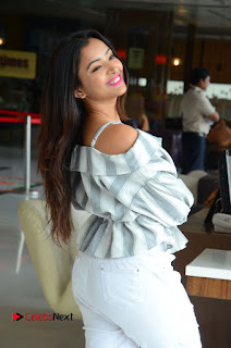 Actress Shweta Basu Prasad Latest Pictures in White Ripped Jeans 0132