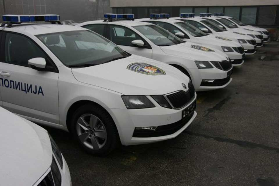 Tschechien Spendiert Mazedonien 45 Skoda Polizeiautos