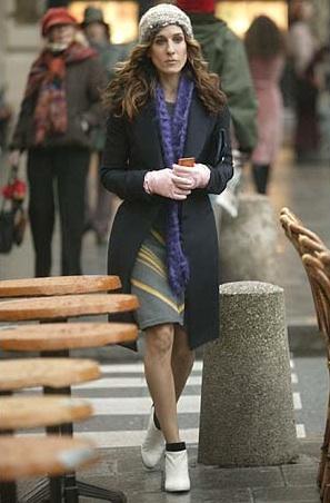 365 Carrie Knit Cap Black Coat Purple Scarf