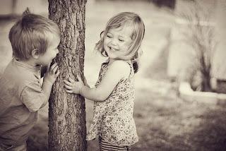 Αποτέλεσμα εικόνας για Δε μπορείς να κάνεις τους ανθρώπους να σε αγαπήσουν, μπορείς όμως, να γίνεις αγαπήσιμος
