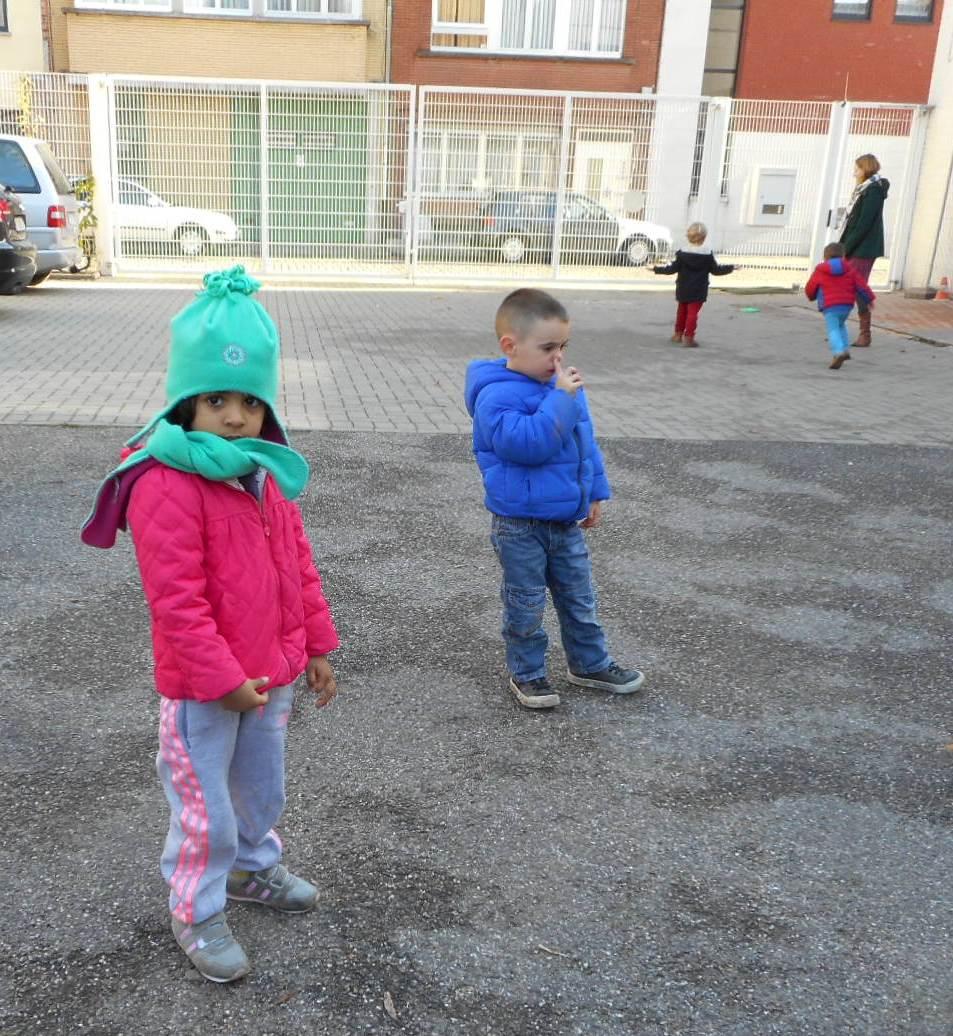 Het toverklasje in het abc huis middagmaal buiten spelen en nog een kwartiertje binnen - Huis van kind buiten ...