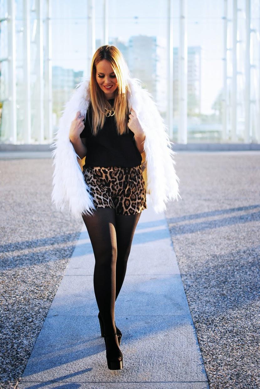Nery Hdez, yeti, abrigo de pelo, print leopard, sammydress ,málaga