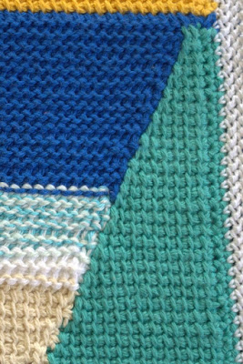 A close up of the green section showing the colour changes along the diagonal line.